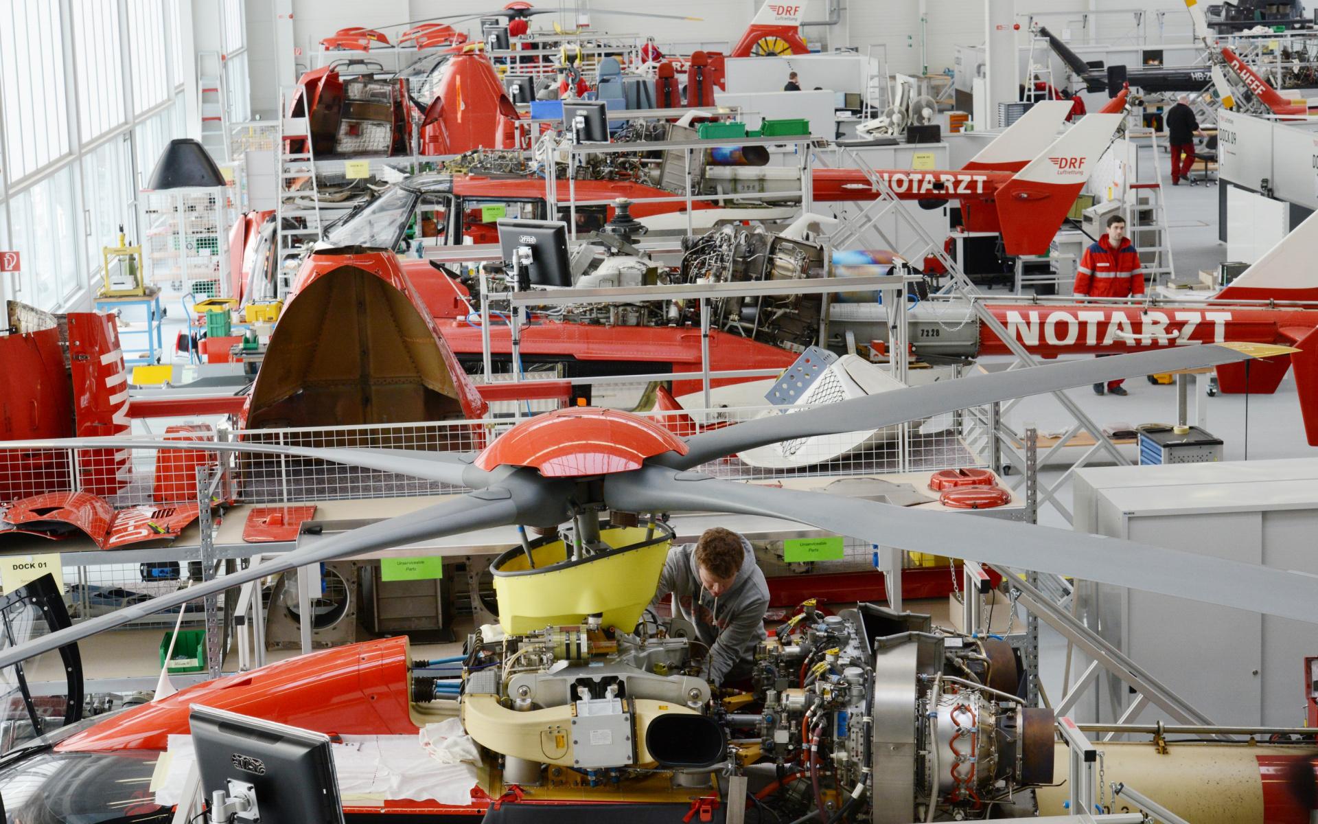 Die Akademie der DRF Luftrettung verfügt über jahrelange Erfahrung in der Wartung und Entwicklung von Hubschraubern und Ambulanzflugzeugen.